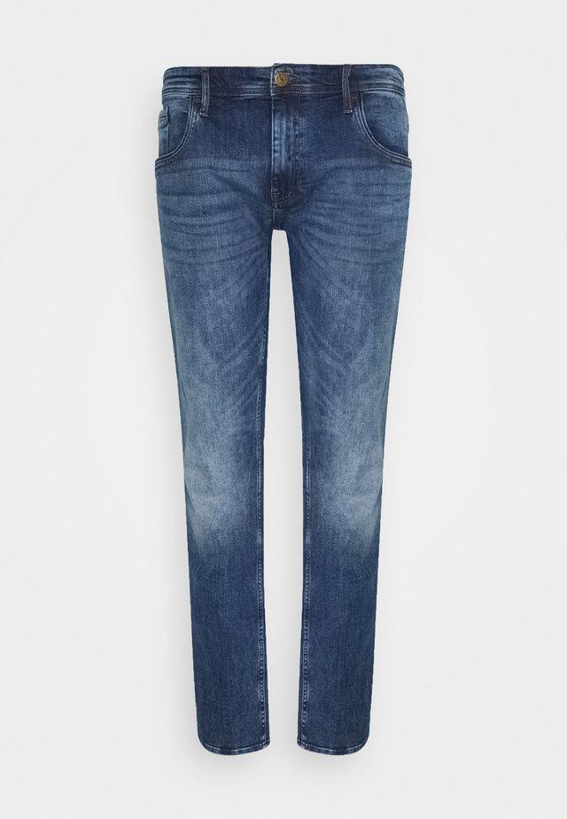 BLIZZARD FIT - Slim fit jeans - denim dark blue