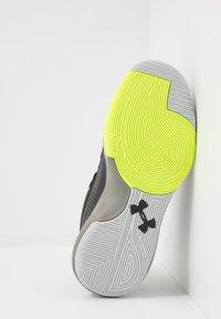 Under Armour - LOCKDOWN 4 - Zapatillas de baloncesto - black/gravity green/x-ray - 4