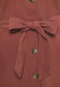 ONLY - ONLNEW ARIS LIFE DRESS  - Vestido camisero - apple butter - 2