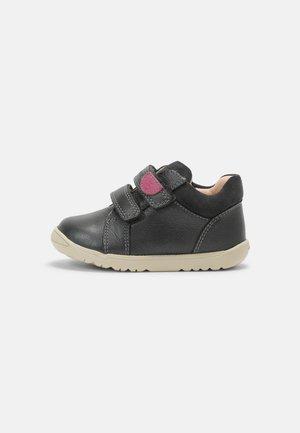 MACCHIA GIRL - Vauvan kengät - dark grey