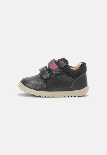 MACCHIA GIRL - Baby shoes - dark grey