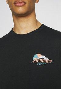 Mennace - HAVANA DRAGON REGULAR - T-shirt con stampa - black - 4