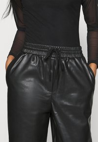 EDITED - MADISON PANTS - Trousers - schwarz - 4