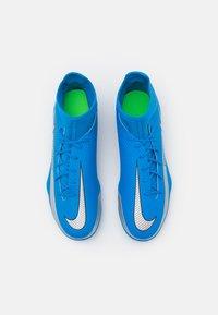 Nike Performance - PHANTOM GT CLUB DF FG/MG - Kopačky lisovky - photo blue/metallic silver/rage green - 3
