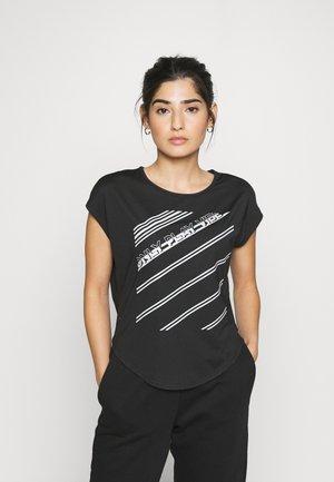 ONPMANON CURVED TRAINING TEE - Camiseta estampada - black/white