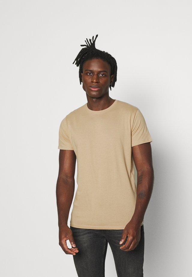 GRAILH - Basic T-shirt - mushroom / light khaki