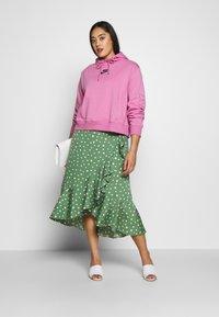 Nike Sportswear - AIR HOODIE PLUS - Hoodie - magic flamingo - 1
