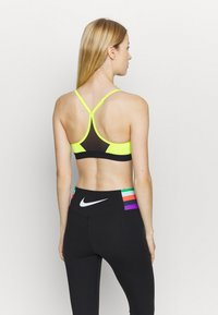 Nike Performance - INDY BRA - Sport BH - volt/black - 2