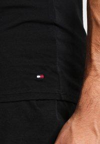 Tommy Hilfiger - 3 PACK - Undershirt - black - 6