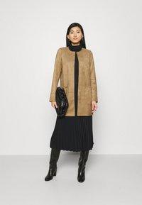 Opus - HERANOL - Short coat - maple - 1