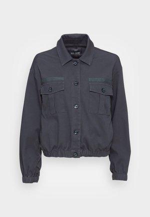 QUINN FLOW TAPE JACKET - Bomber Jacket - ombre blue