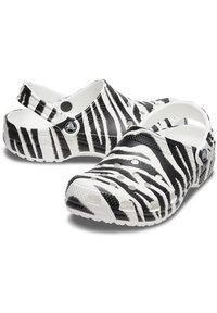 Crocs - ANIMAL PRINT  - Zoccoli - white / zebra print - 5