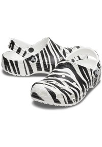 Crocs - ANIMAL PRINT  - Zuecos - white / zebra print - 5