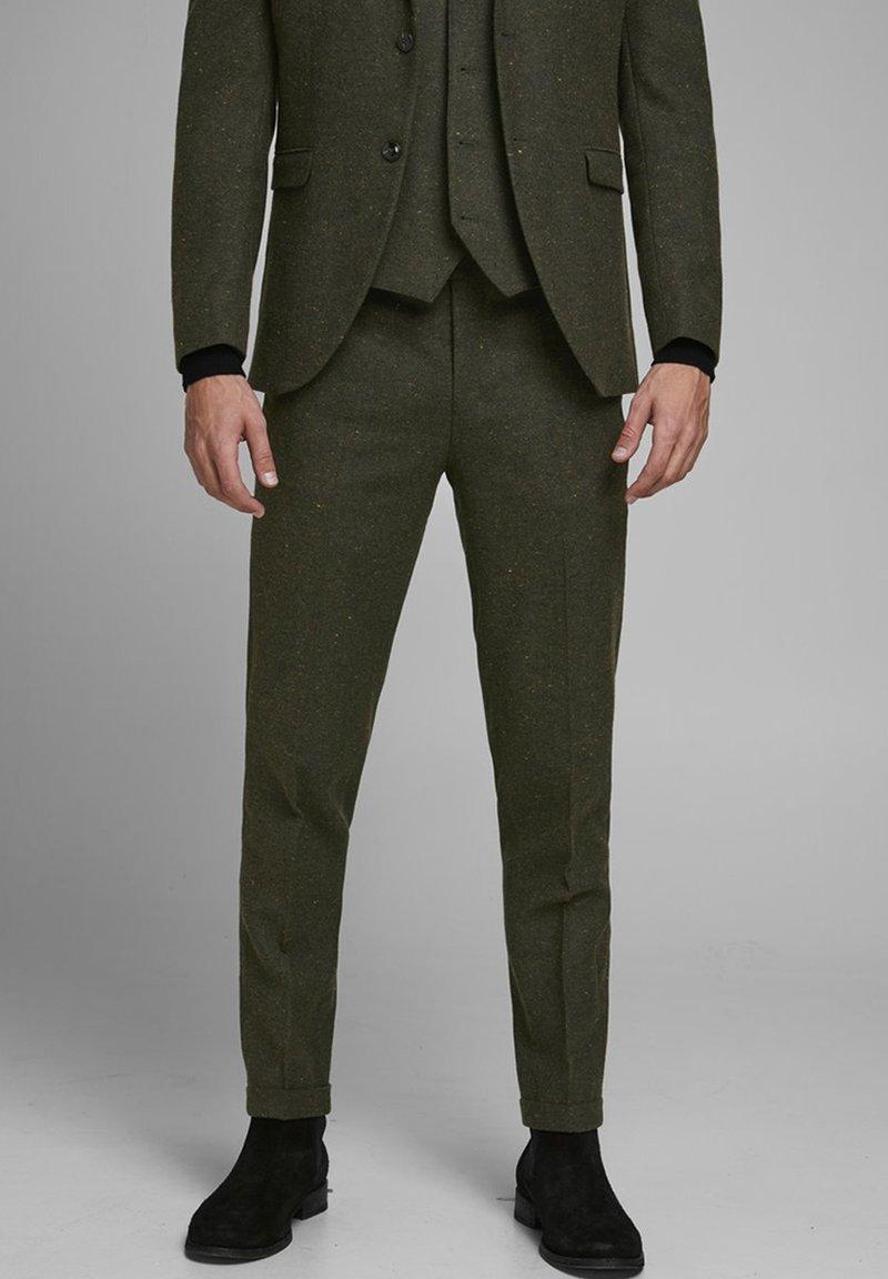 Jack & Jones PREMIUM - Suit trousers - rosin