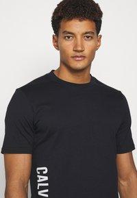 Calvin Klein Performance - SHORT SLEEVE - T-shirt con stampa - black - 3