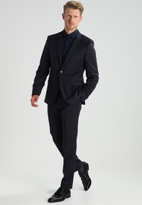 Michael Kors - PARMA SLIM FIT - Formal shirt - midnight blue - 1
