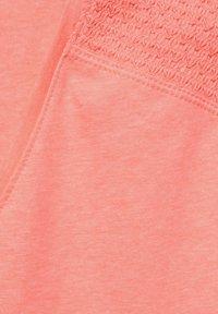Cecil - MIT SMOK-DETAILS - Print T-shirt - orange - 4
