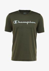 Champion - CREWNECK RUN - Print T-shirt - dark green - 5