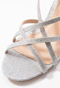 Dorothy Perkins - SILENCESTRAPPY BLOCK - Sandals - silver - 2