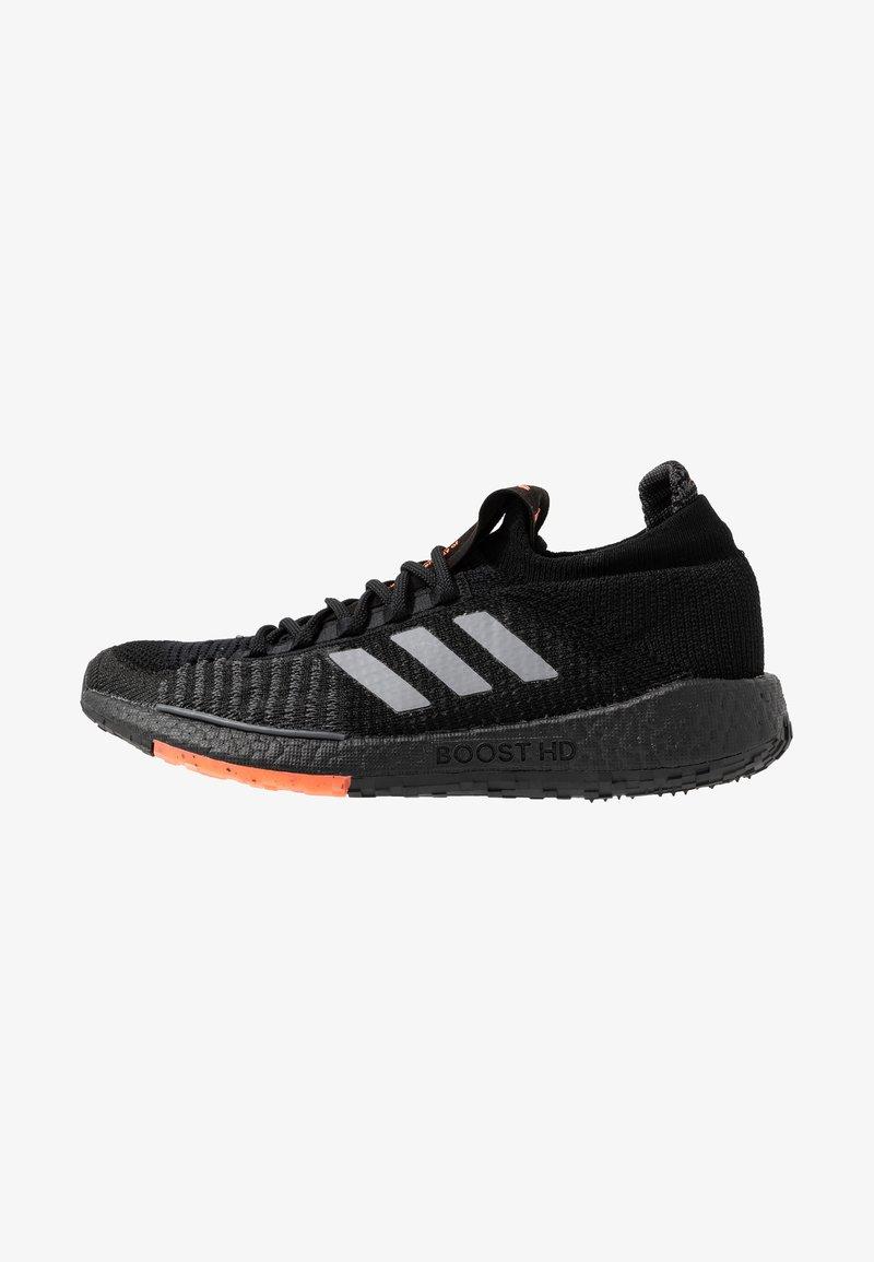 adidas Performance - PULSEBOOST HD - Zapatillas de running neutras - core black/grey three/signal coral
