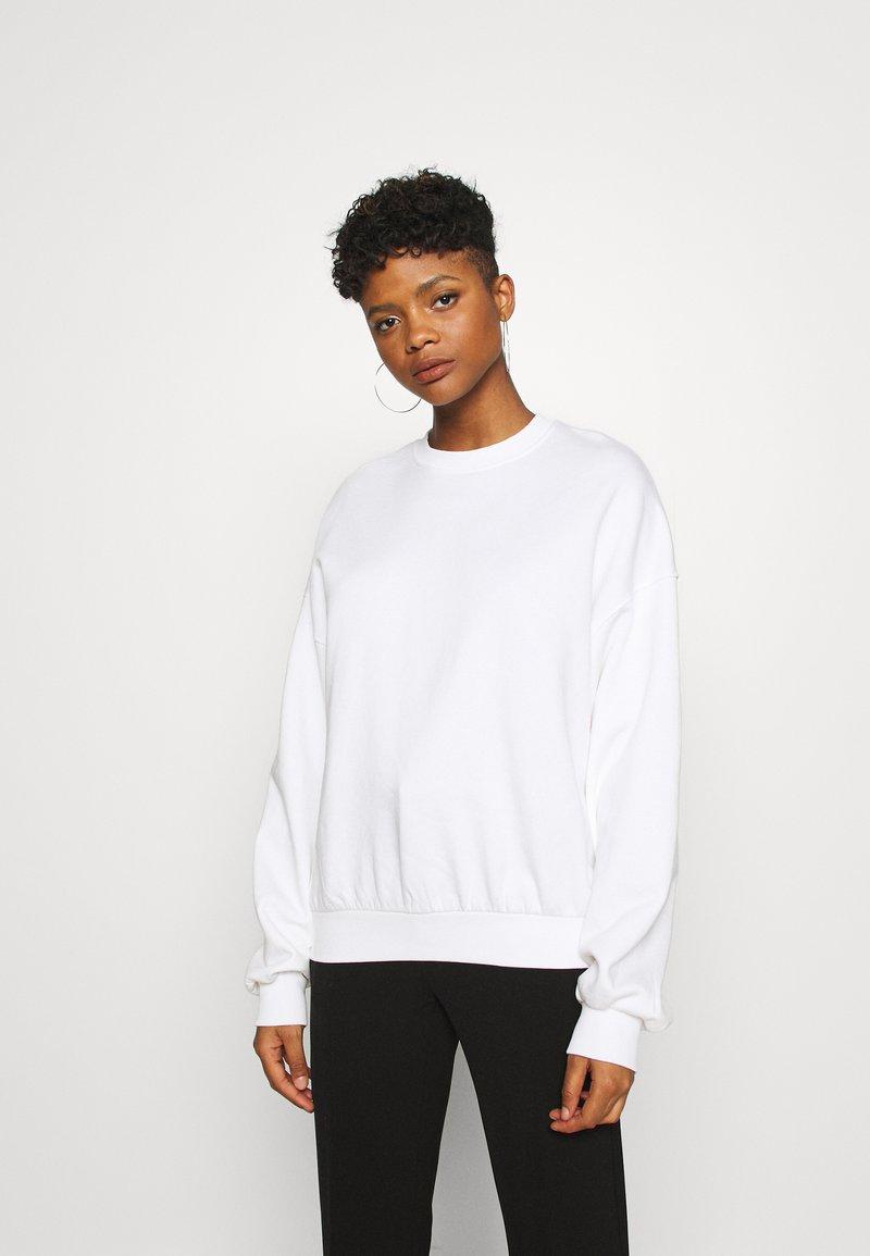 Weekday - PAMELA OVERSIZED - Sweatshirt - white