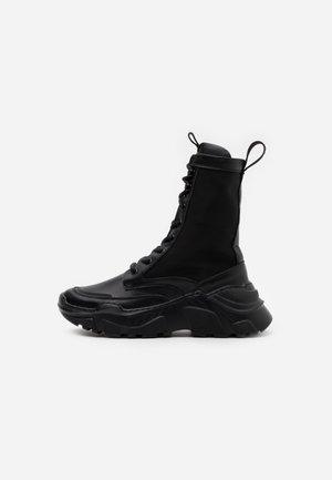 REFERENCE BOOT - Platåstøvletter - black