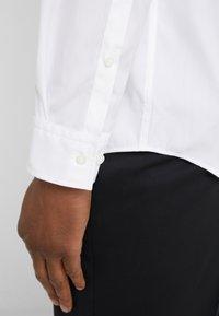 HUGO - EMERO - Shirt - open white - 4