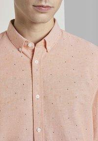 TOM TAILOR DENIM - OXFORD  - Shirt - orange triangle mix - 3