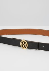 Tory Burch - REVERSIBLE LOGO BELT - Pásek - black/gold-coloured - 5