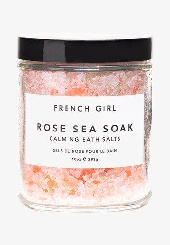 ROSE SEA SOAK - CALMING BATH SALTS - Bubble bath & soak - -
