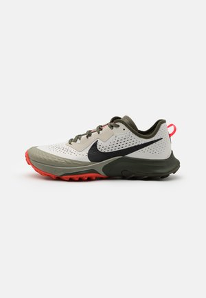 AIR ZOOM TERRA KIGER 7 - Neutral running shoes - light bone/black/cargo khaki/light army/sequoia/bright crimson