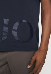 JOOP! - SABURO - Print T-shirt - dark blue - 7