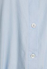 Tommy Hilfiger - MIDI DRESS  - Shirt dress - breezy blue - 2