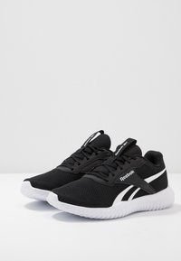 Reebok - FLEXAGON ENERGY TR 2 - Trainings-/Fitnessschuh - black/white - 2