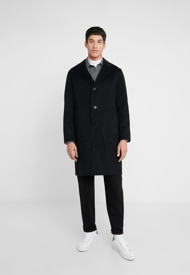 SUFFOLK - Classic coat - black