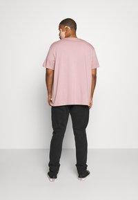 Cotton On - PLUS - Jeans slim fit - new black - 2