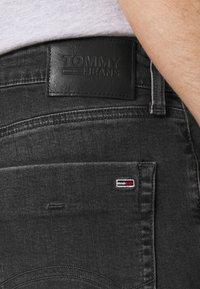 Tommy Jeans - SCANTON SLIM - Jeans slim fit - erno black - 4