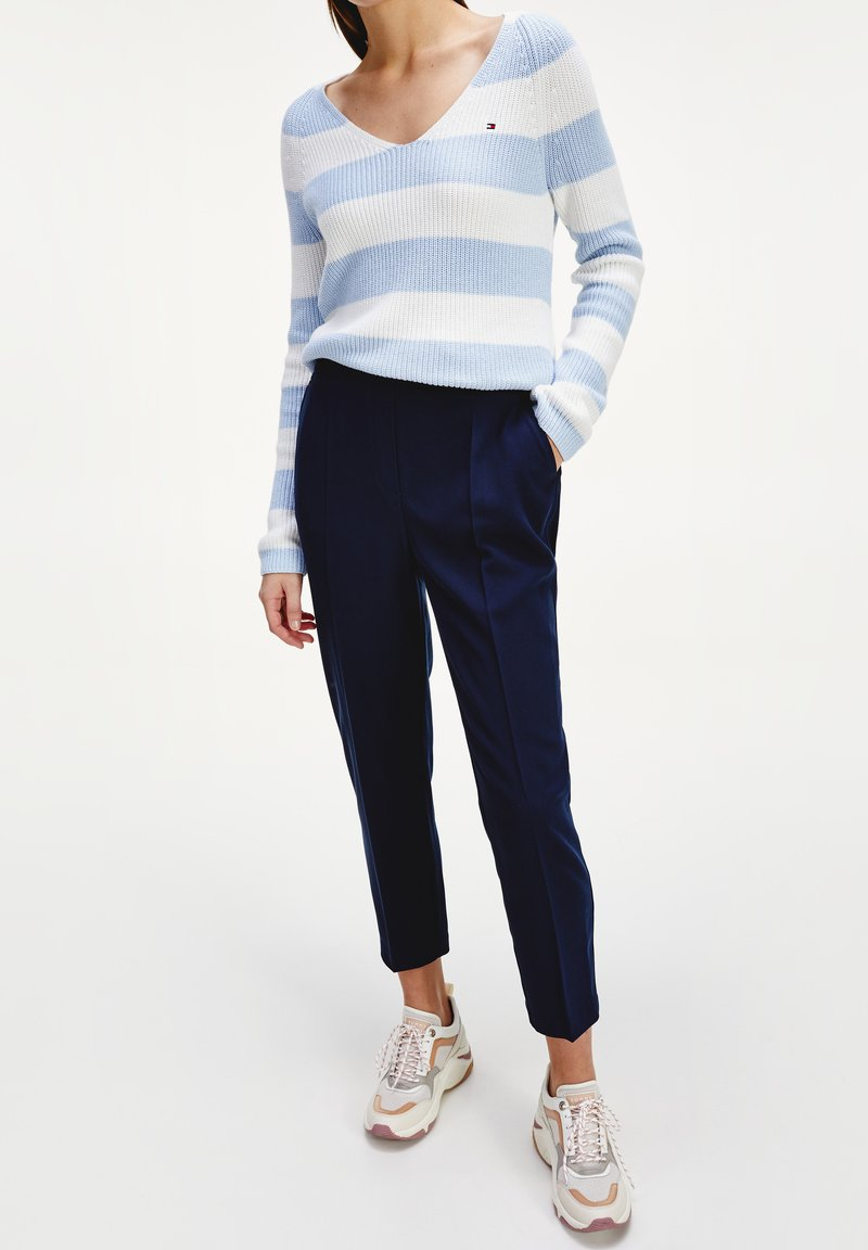 Tommy Hilfiger - TH ESS  - Trousers - desert sky
