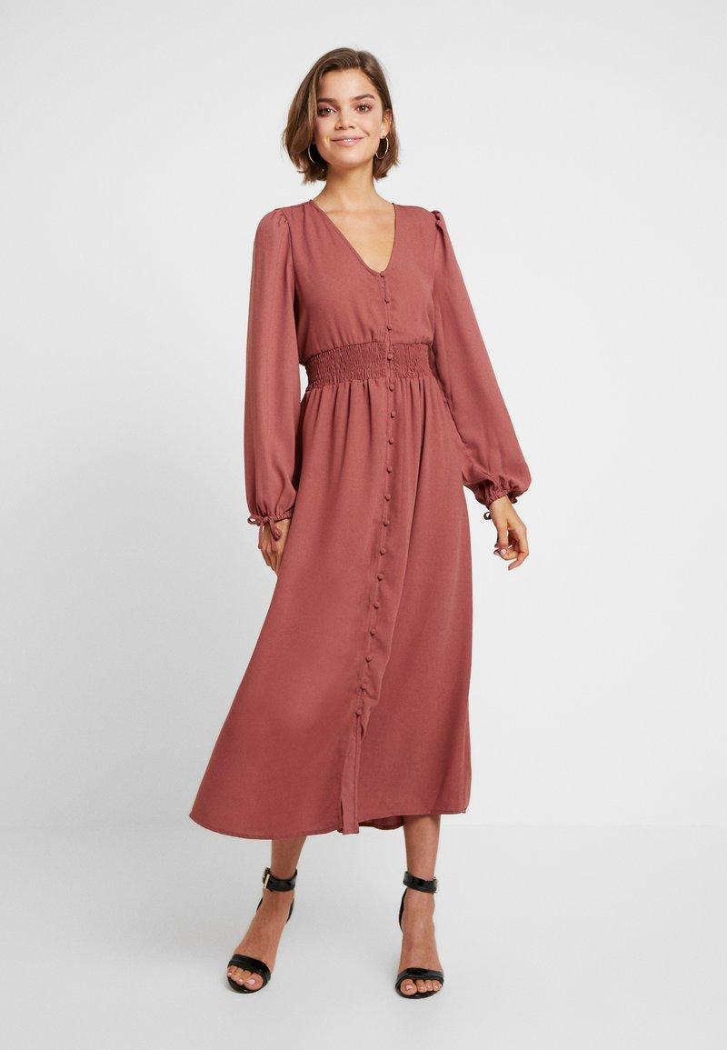Vero Moda - VMEDDA DRESS - Skjortekjole - mahogany