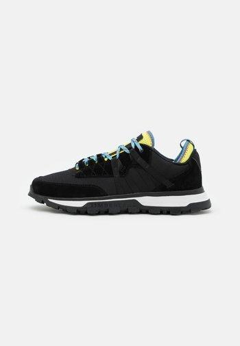 TREELINE MOUNTAIN RUNNER - Sneakersy niskie - black