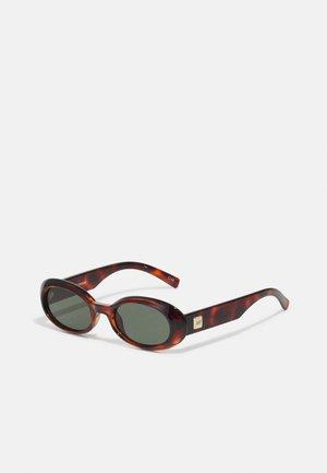 WORK IT - Sunglasses - toffee tort