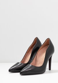 Tamaris Heart & Sole - COURT SHOE - Korolliset avokkaat - black - 4