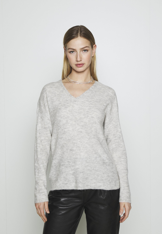 Femme VMCREWLEFILE V NECK - Pullover