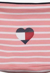 Tommy Hilfiger - BABY RUGBY STRIPE GIFTPACK SET - Foulard - pink icing - 6