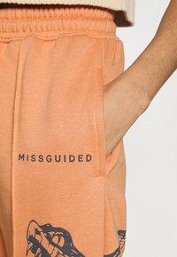 Missguided - OVERSIZED 90S SNAKE - Joggebukse - orange - 5