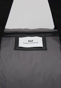 DAY Birger et Mikkelsen - GWENETH SPORT - Sports bag - asphalt - 6