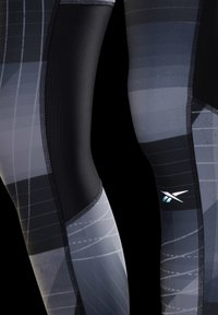 Reebok - RUNNING LUX BOLD LEGGINGS - Leggings - black - 6