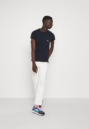 2 PACK - Basic T-shirt - aviator blue/cigar