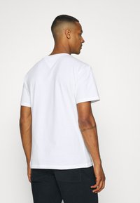 Tommy Jeans - SMALL TEXT TEE - T-shirt imprimé - white - 2