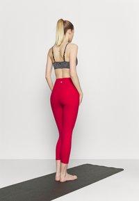 Cotton On Body - POCKET 7/8 - Medias - red - 2